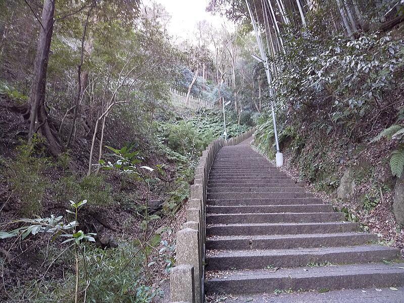 石清水八幡宮 裏参道 / 京都 ブログ ガイド
