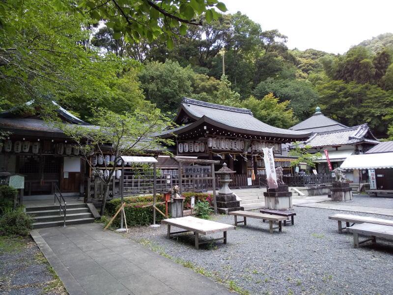 熊野若王子神社の境内 / 京都ブログガイド